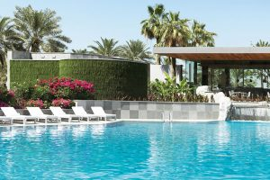 ritz-carlton-hotel-bahrain-living-wall-outdoor
